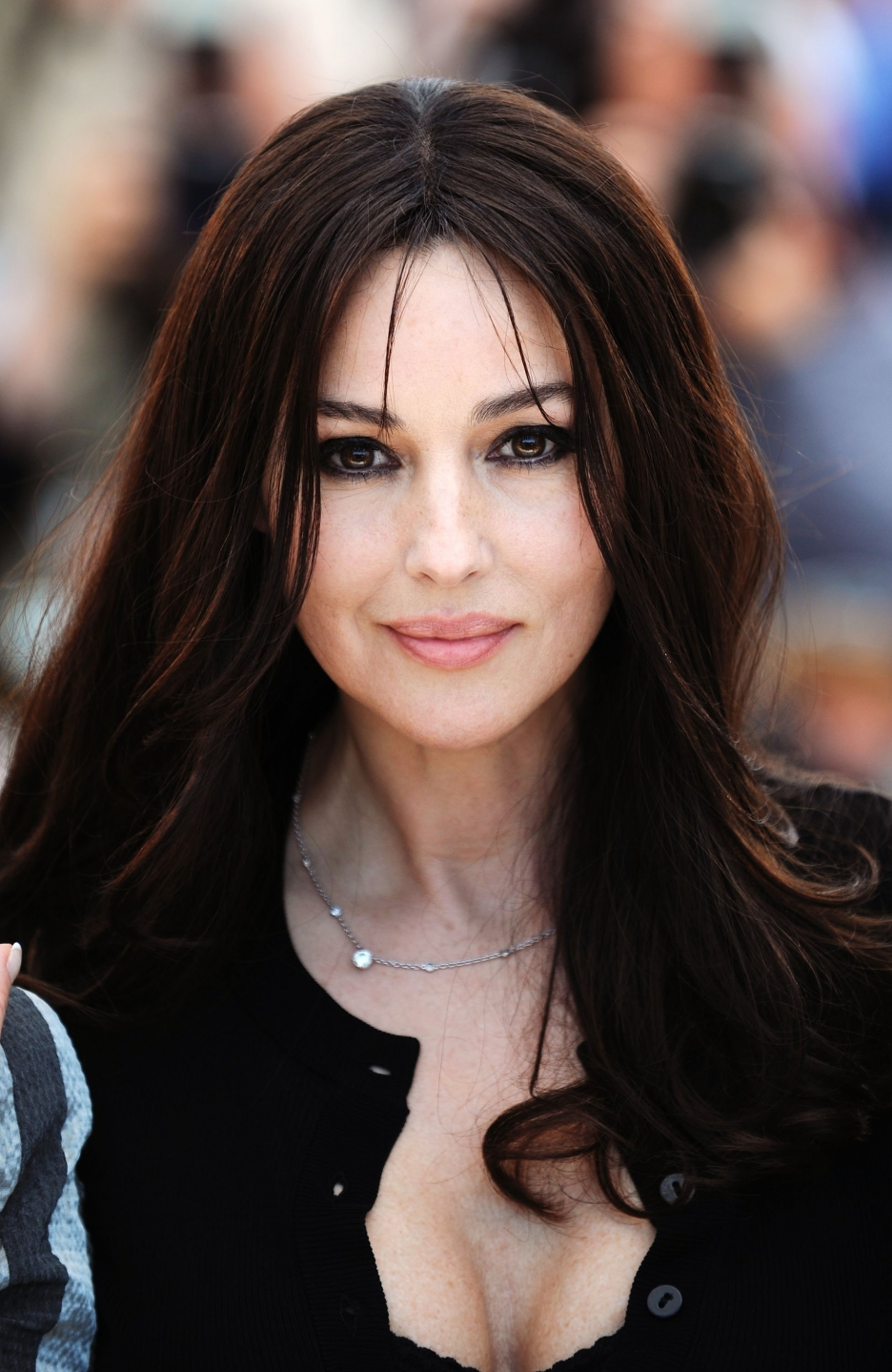GET THE BEAUTY LOOK: M... Monica Bellucci