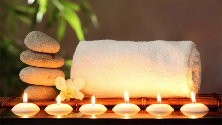 candles-and-towel-154418691 (1)