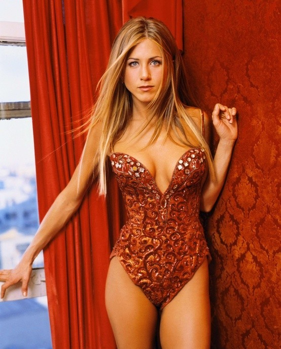 jennifer-aniston-in-costume